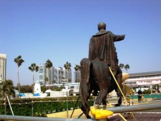 お台場のケマル像