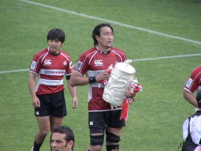 大野選手(左)と田中選手