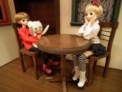 お茶セットとケーキを用意したい。