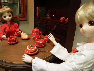 ティーセットとケーキ(消しゴム)