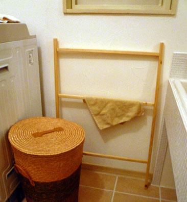 脱衣室タオルかけ