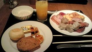 ホテルのバイキング(朝食)