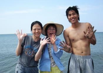 台湾の青年と海へ