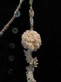 リネン糸とブレードのラリエット2