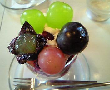 葡萄パフェ