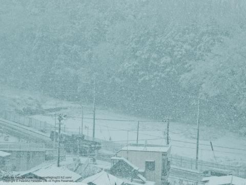 雪が降る町、岡津町 7