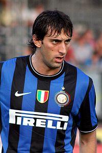 200px-Diego_Milito_-_Inter_Mailand_(3).jpg
