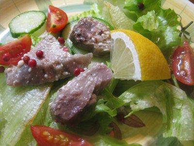 カツオオリーブ煮のサラダ