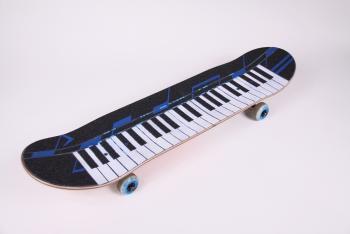 pianosk8_small.jpg
