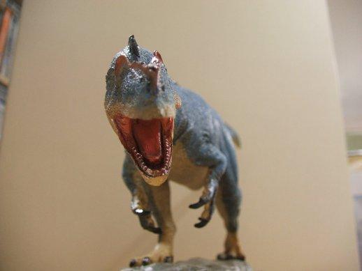 アロサウルス3