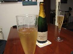 かなちゃんちでシャンパン