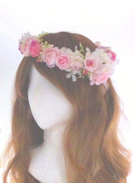 花冠 ピンク ヘアスタイル 花嫁 髪型