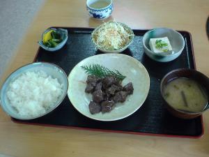 昼食 鹿焼肉定食