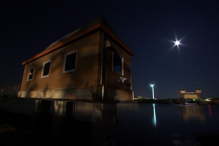 月夜の潮騒橋 2