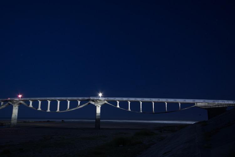 月夜の潮騒橋 3
