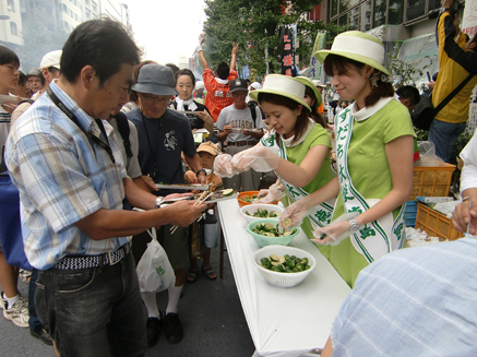 20100905目黒のさんま祭り すだち大使