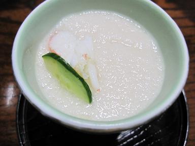 冷たいお惣菜(山芋の下に芽カブがたっぷり)