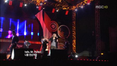 101022 Copy  Paste + Hurricane Venus (MBC Korea In Motion Festival).ts_snapshot_00.50_[2010.10.24_03.15.34]