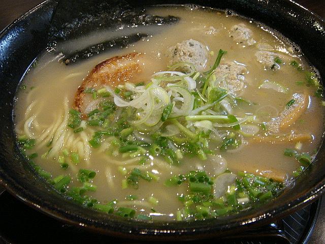 鶏白湯ラーメン(白)+鶏団子トッピング