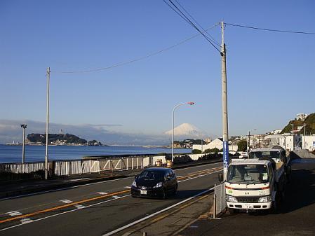 鎌倉から江ノ島を望む