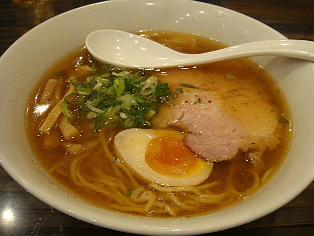 醤油ラーメン@老麺 魂