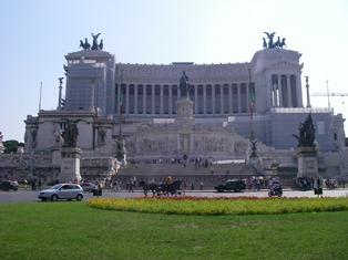 ヴェネツィア広場(ヴィットリオ・エマヌエーレ2世記念堂)