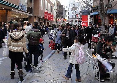正月の繁華街-2