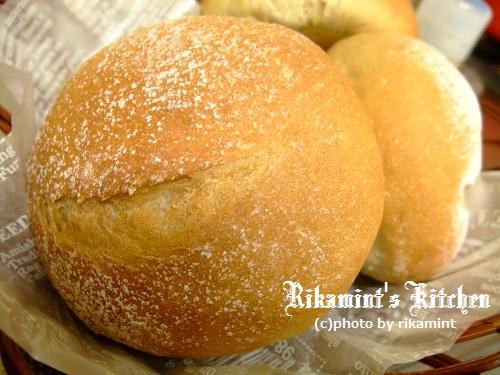 DSCF12・4ライ麦パン (2)