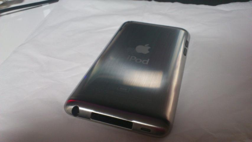 iPod touchヘアライン加工後