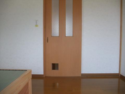2階の母の部屋の戸