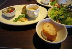 ランチ 前菜とサラダ