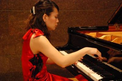 萬谷ピアノ_convert_20111130095317_convert_20111130095441