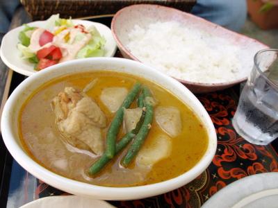 チキンとゴロゴロ野菜のタイ風スープカレー@こまつや珈琲店