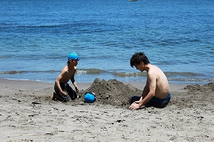 s-2010_07_18_今年初の海_099