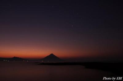 夜明けの開聞岳