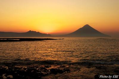 開聞岳と朝陽