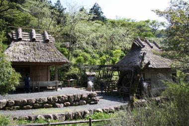 茶堂と水車小屋
