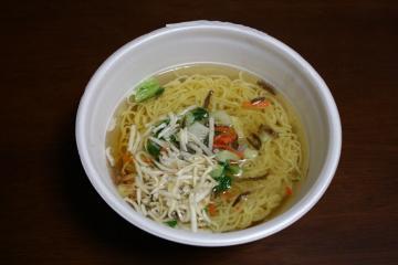 カップサンマー麺2