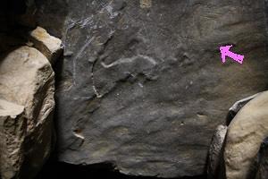 古墳の日王墓山古墳岩の線