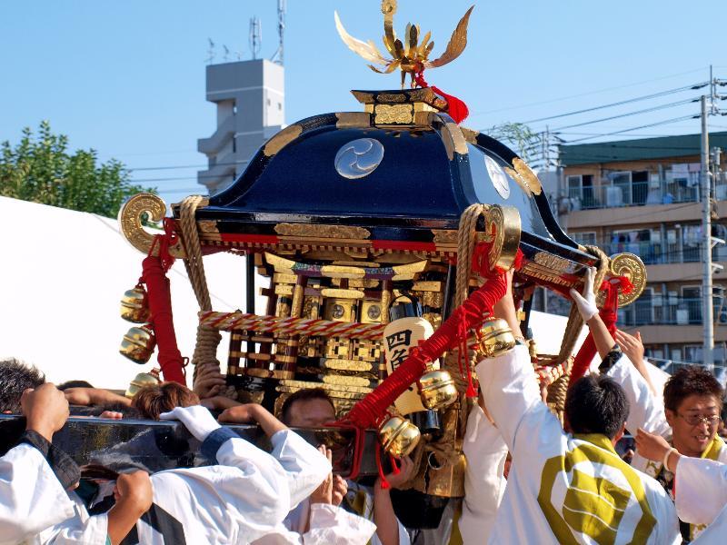 松山秋祭り 四角・八角 イベント みこし