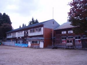 091018中野俣小学校校舎