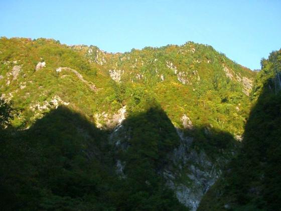 阿曽原谷の岩壁
