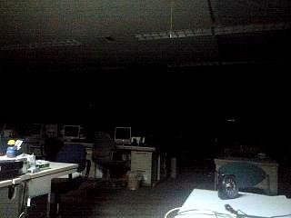 真っ暗闇の職場
