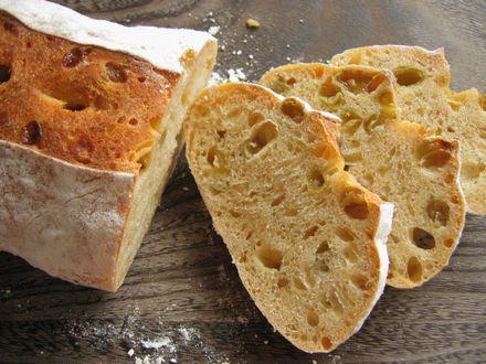 マスカット酵母パン
