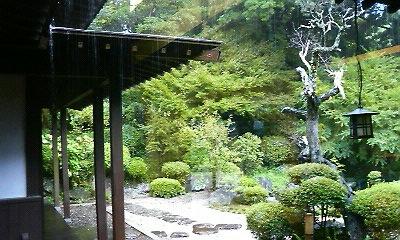 龍泉寺中庭(2010.08,11撮影)