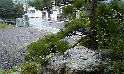 2010.08.29.17.30雨の玄関
