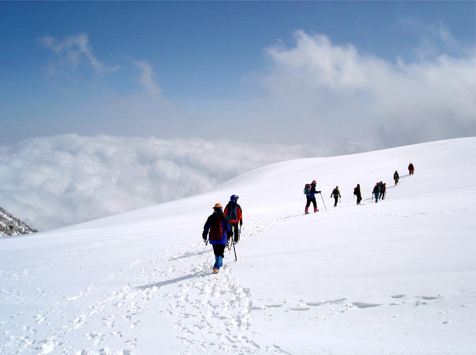 全国雪崩(2) 雲上の歩行