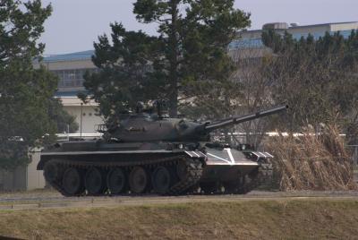 仮装敵仕様74式戦車。