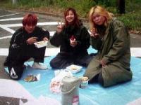 2002年秋 巡業食事中