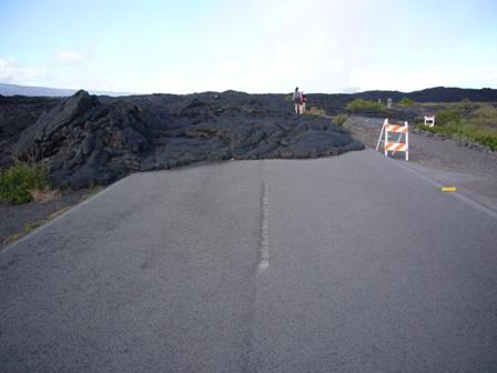 道をふさぐ